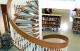 Винтовая лестница: преимущества и недостатки